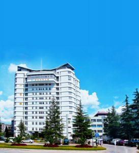 پزشکی در چین، دانشگاه پزشکی کونمینگ