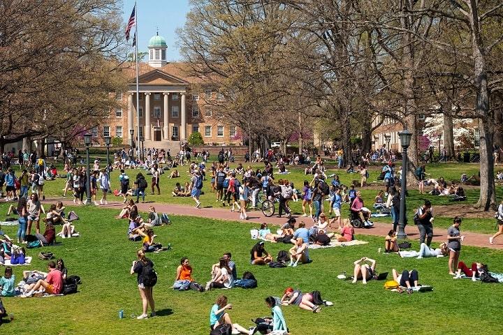 سومین دانشگاه برتر دولتی در ایالات متحده آمریکا،